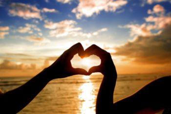 追わない媚びない執着しない!恋愛を上手く進める三原則とは?