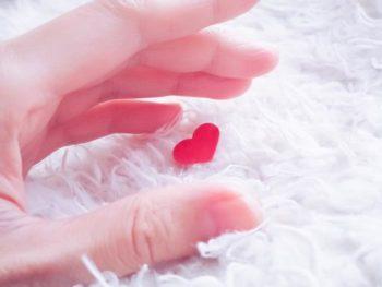 【好意のサイン】バレバレ!?男が恋愛対象の女性にする12の行動