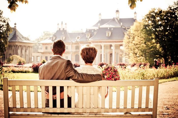 【尽くされる女性の特徴】愛される恋愛をする方法は簡単だった