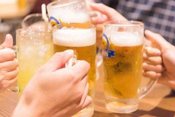 飲み会で盛り上げ役や介抱をする女性はモテる?男の本音を解説