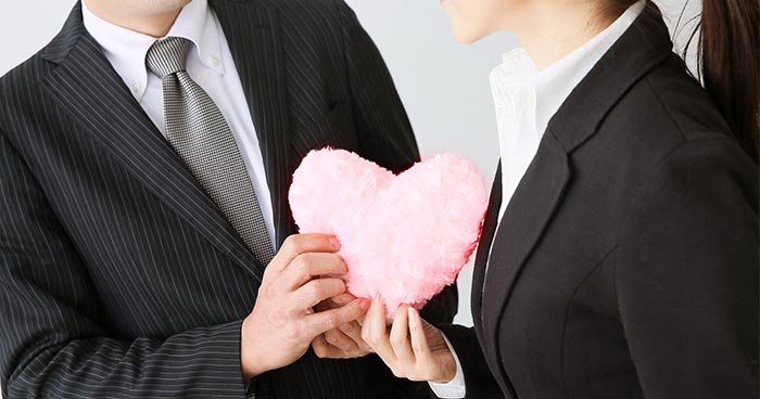 職場恋愛で距離を縮める方法とは?同僚への片思いを叶える6つのコツ