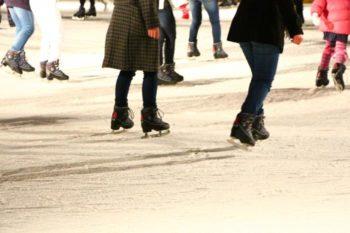 スケートデートは滑れなくても大丈夫?男性と距離を縮める5つの方法
