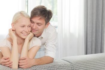 恋する前に要チェック!彼女持ちの男性にありがちな8つの特徴