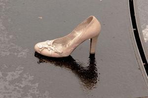 ヒールの減った靴